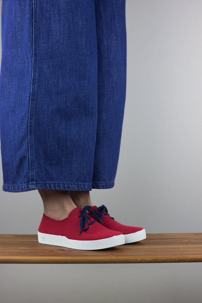 OLI13 oxford red white