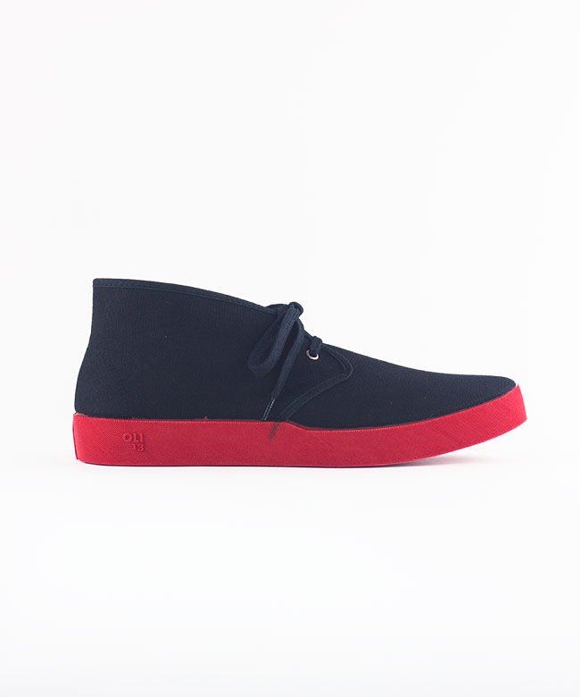 CHUKKA BLACK RED